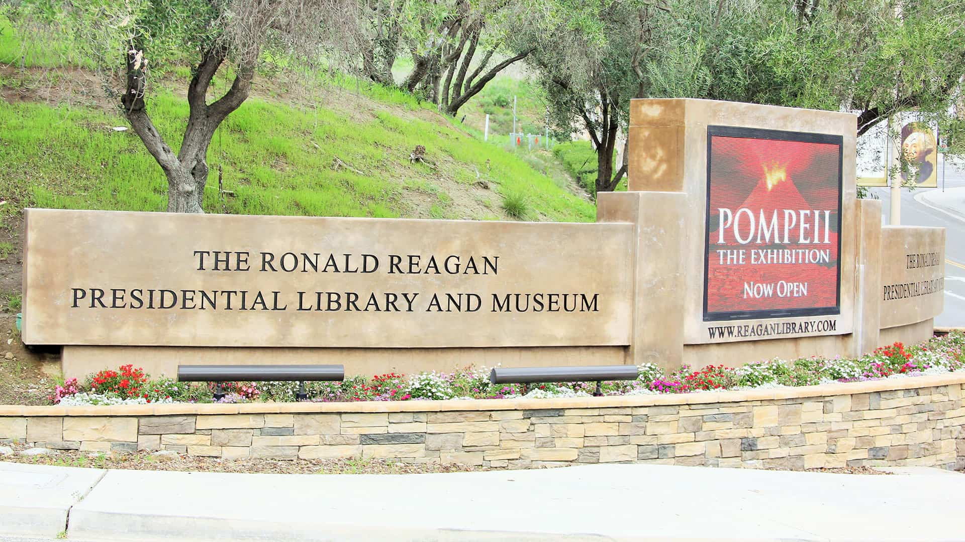 Monument sign - Ronald Reagan Library